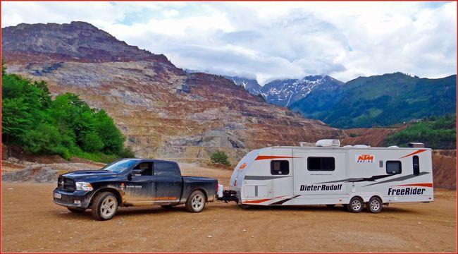 Luxus: Amerikanische Wohnwagen mit Garage Allen, die auf dem Quadtreffen und im Fahrerlager auf Luxus nicht verzichten möchten, bietet HeartBeat Unlimited amerikanische Wohnwagen mit Garage fürs ATV http://www.atv-quad-magazin.com/aktuell/luxus-amerikanische-wohnwagen-mit-garage/