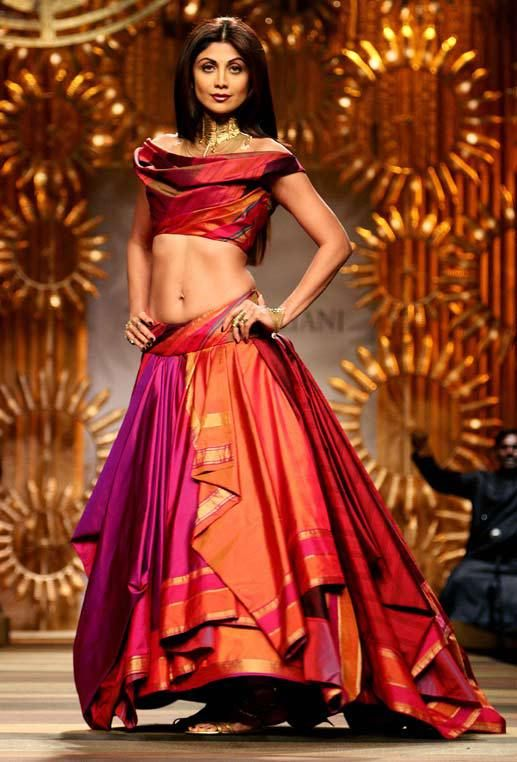 Style Spotlight: Handloom Silk Lehengas in Beautiful Banarasi Fabric photo