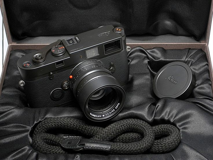 "Leica MP ""Blue Stain"" limited edition camera 