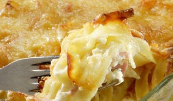 Ταλιατέλες φούρνου με ζαμπόν και 3 τυριά