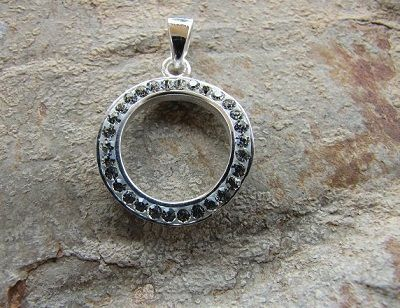 Sterling Silver and Swarovski Crystal Circle - http://www.sweetjewellery.com.au/product/sterling-silver-and-swarovski-crystal-circle/