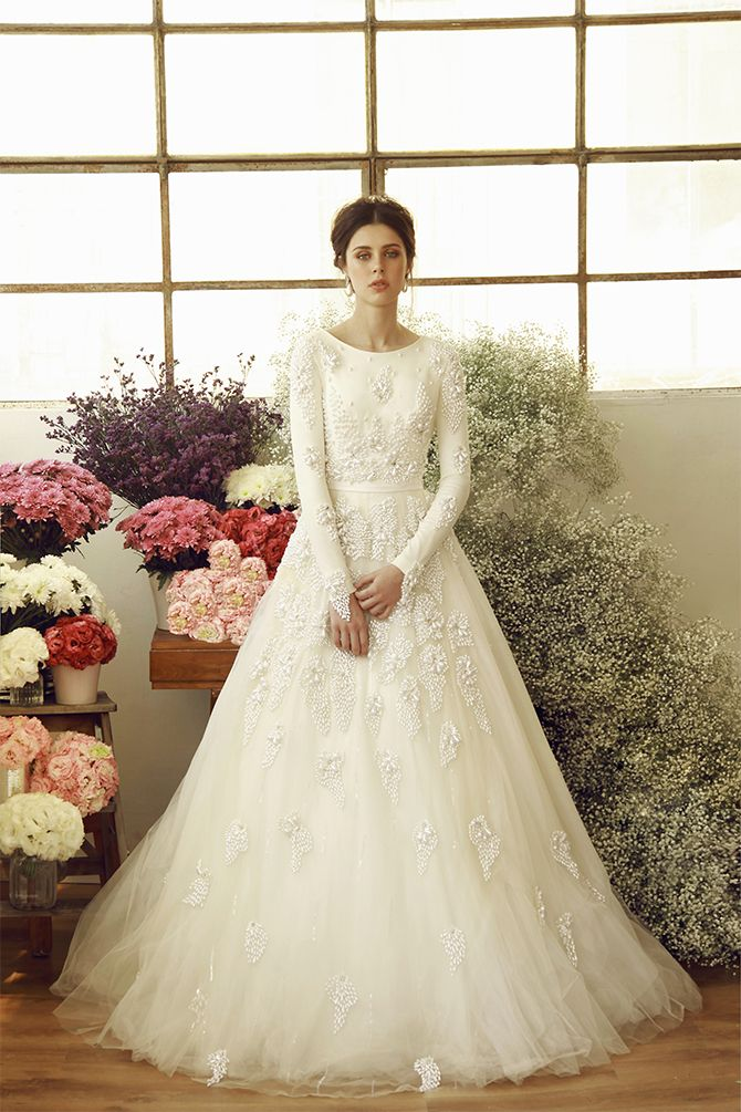 Ivory tulle ball gown with drop pearl embroidery. Chana Marelus - Ava F/W 2016-2017