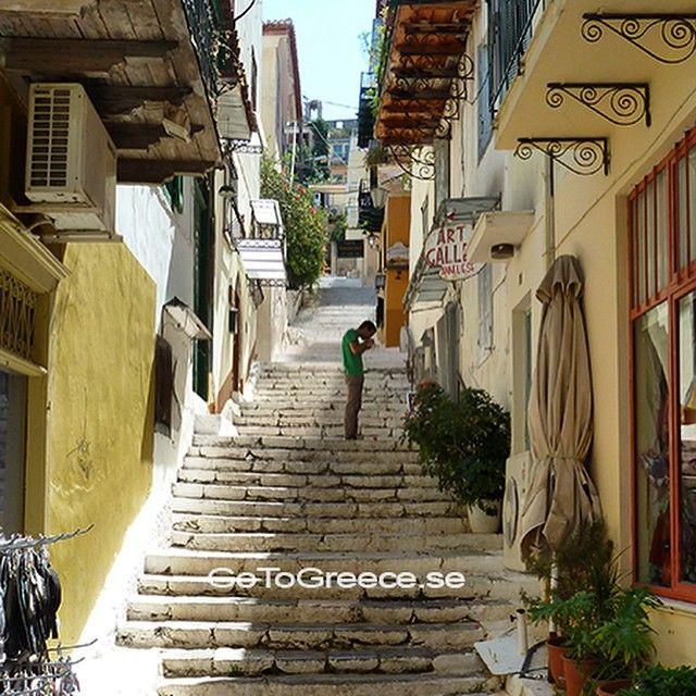 Kalimera from the streets, of Naphlion#greece #grekland #hellas #ellada #kreikka #grecia #naphlion #naflion #peloponnesos #wu_greece #welovegreece #travelguide #reseguide #travel_greece #team_greece #reseguide #reasontovisitgreece #visitgreece #igersgreece #ig_travel #instapic #beautiful #semester #summer2015 #holiday #åretsreseinspiratör @apollosverige #apollosverige #airtours #vingsverige #resia #grækenland