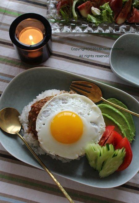 和風ロコモコ丼!と、炙りイチジクのサラダ♪ ( レシピ ) - Claire ... グレービーソース をまとったハンバーグの 「ロコモコ丼」!