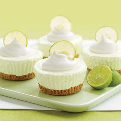 Key lime tartlettes. Use GF pretzels for crust.: Desserts, Keys Limes Pies, Pies Recipe, Minis Keys, Cream Cakes, Limes Cream, No Bak Keys, Key Lime Pies, Key Lime Cheesecake