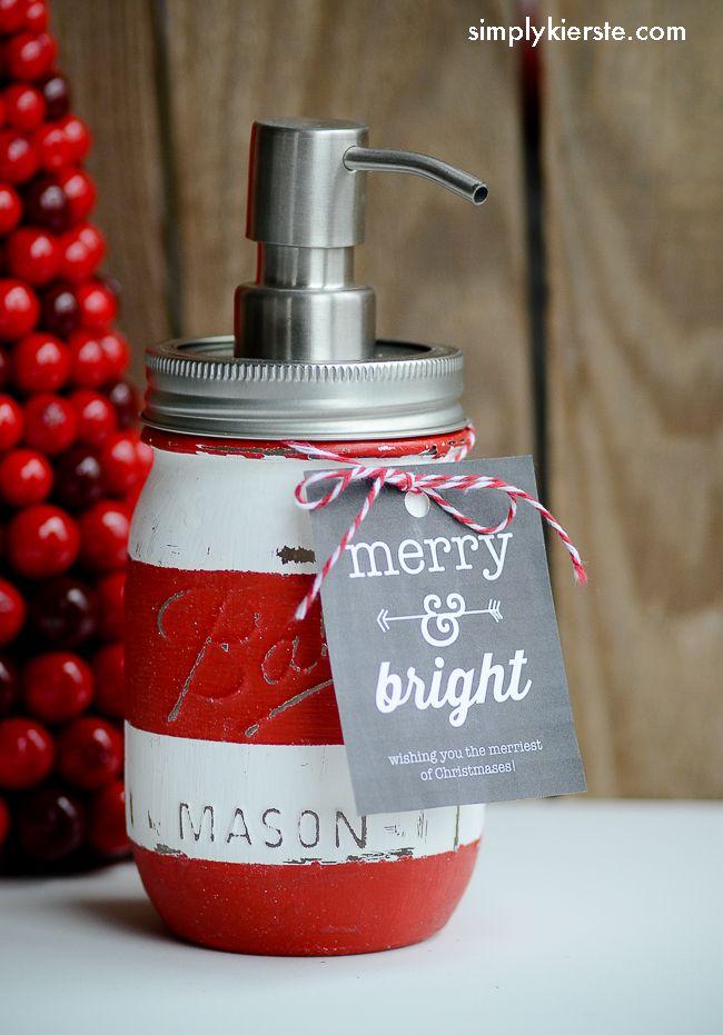 DIY Mason Jar Soap Dispenser | These make wonderful homemade gifts!