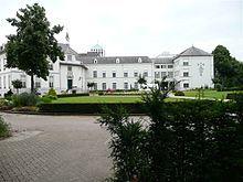Kasteel Boxmeer is een van oorsprong 14e eeuws kasteel in de Brabantse plaats Boxmeer. Het ligt op een voormalig eiland aan de Maas. Noord Brabant