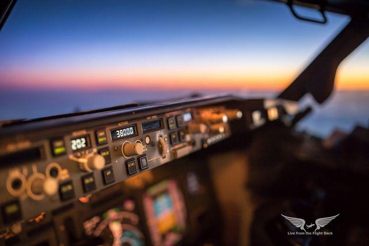 https://flic.kr/p/HPzHg5 | Boeing 737 cockpit sunset | Canon 6D + Sigma 35 f1.4 Art 35mm | f/1.6 | 1/80 | ISO125