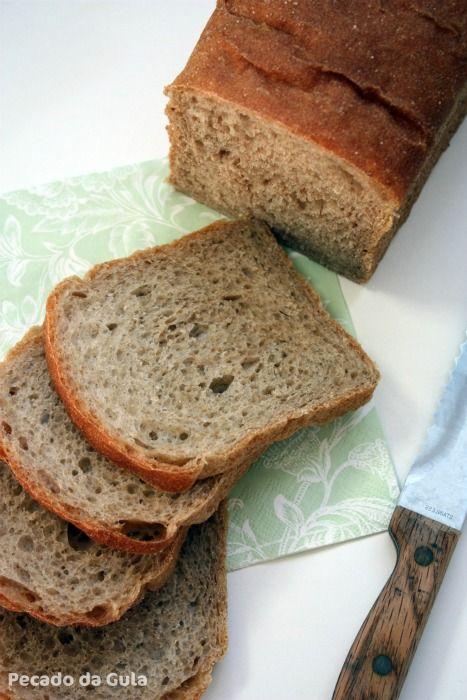 O pão dessa semana veio lá da Renata  (que já deve estar de volta em terras brasileiras!) e como ela disse é maravilhoso! Tem um leve sabor...