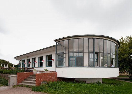 58 best bauhaus architektur images on pinterest for Pool design dessau