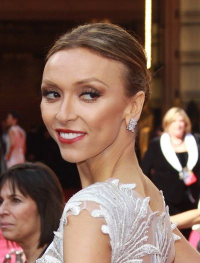 Giuliana Rancics sleek, center parted hairstyle: Hairstyles Hair Beautiful, Thanksgiuliana Rancic, Celebrity Hairstyles, Hairstyles News, Hair Hairstyles, Hairstyles Awesome, Rancic Sleek, Giuliana Rancic Just, Mr. Beans