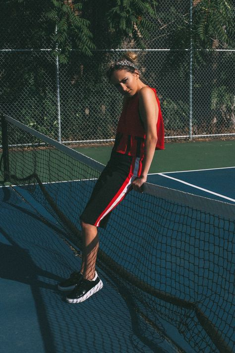 Sport Photoshoot Ideas Inspiration For 2019 In 2020 Tennis Court Photoshoot Tennis Photography Tennis Fashion