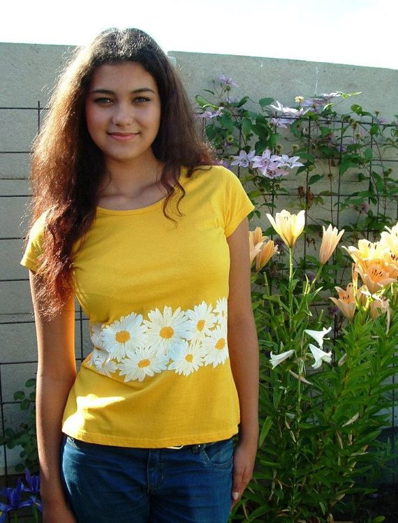 Hand painted T-shirt  Marguerite by Aryonelle on Etsy