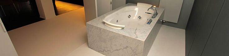 Een gietvloer in een badkamer is ideaal! Met onze speciale afwerking is er geen risico op glijpartijen en de vloer is vloeistofdicht dus perfect voor natte ruimtes. Alles wordt naadloos afgewerkt dus geen kans op schimmelvorming! Meer informatie vind je terug op onze website!