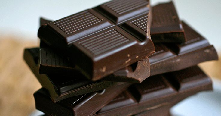 Appel à tous les amateurs de chocolat! Voici votre chance de vraiment vous faire plaisir et de vous débarrasser de la culpabilité que vous ressentez quand vous mangezce chocolat que vous aimez. Plusieurs études montrent que le chocolat noir est chargé d'éléments nutritifs et peut influer positivement sur votre santé. Mais ne vous méprenez pas… …
