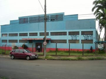 Venda- Santana - BARRACÃO COM 1.300,00 M², RECUADO, PISO CONCRETO, TELHAS GALVANIZADAS, 04 WC, ESCRITORIOS, SALAS, REFEITORIOS, RECEPÇÃO. PRECISA DE AJUSTES. TERRENO 2.000 M² - Hofling