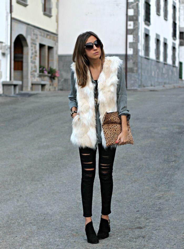 cómo combinar un chaleco de pelo blanco blog de moda | caro de 2019 | Pinterest | Look colete de pelo, Looks colete e Look com colete