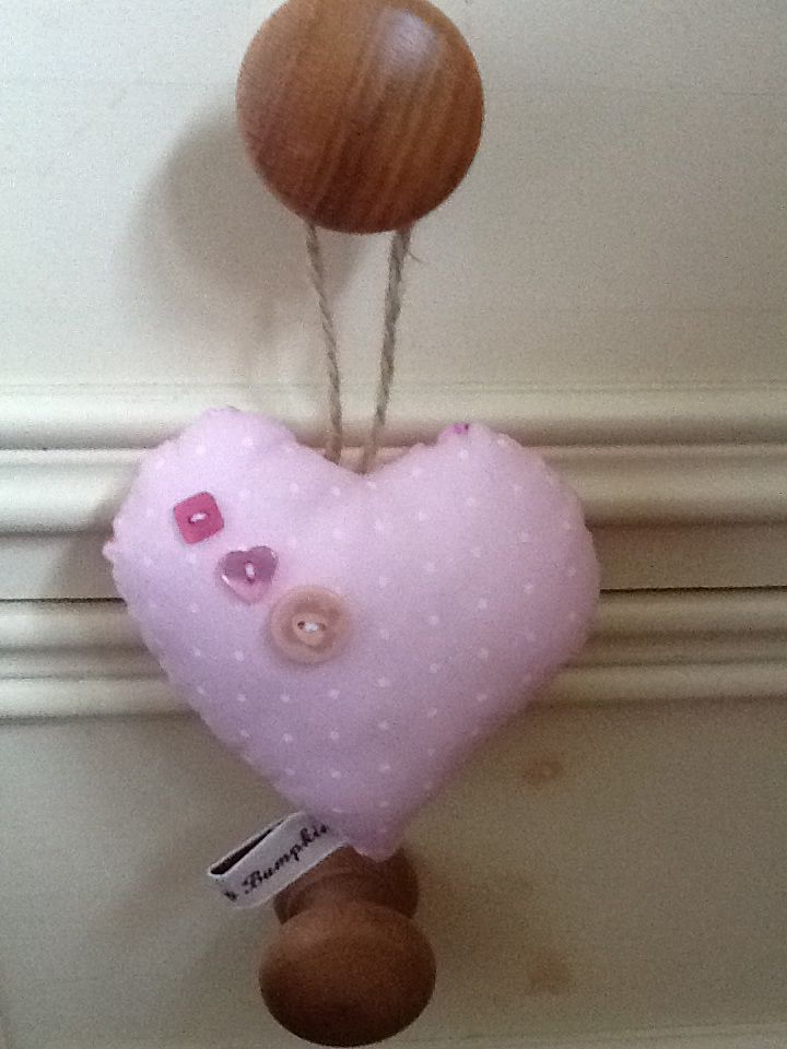 Hanging heart with buttons