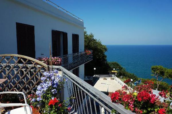 Hotel Panoramic #marche #hotel #albergo #vacanza #sirolo http://www.marchetourismnetwork.it/?place=hotel-panoramic