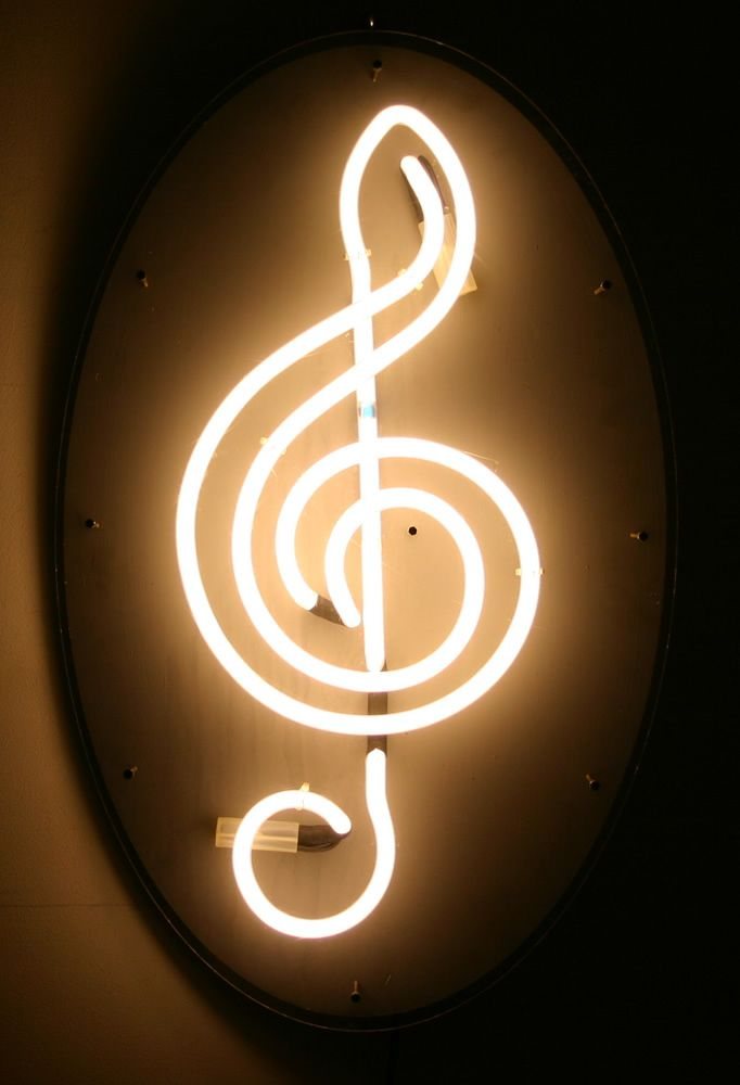 Luz, música, canciones ... Y mucho más .... Mucho ....