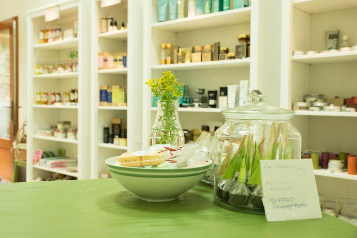 Nevíte si rady s výběrem? Chcete si přírodní a bio kosmetiku prohlédnout osobně? Přijďte do našeho showroomu NuSpring v Praze.