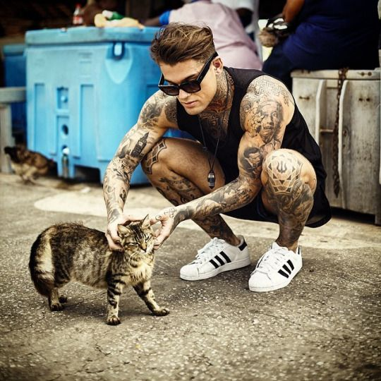 Stephen James Hendry...him  and a cat tho.....