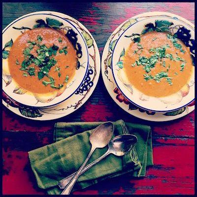 Chucrute com Salsicha: sopa de lentilha vermelha <br>[com limão & coentro]