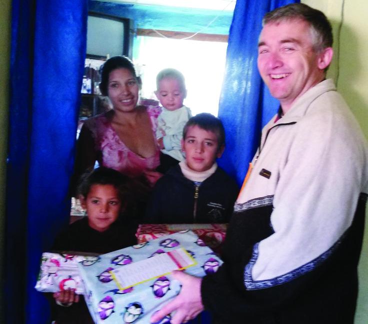 Presents bring joy to poverty-stricken families | Stratford Herald