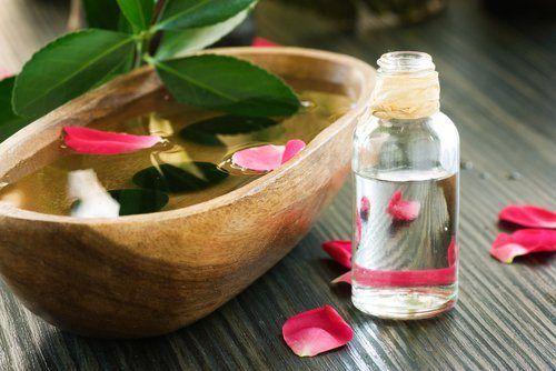 Es muy efectiva para prevenir el envejecimiento de la piel, también ayuda a cicatrizar y curar heridas.