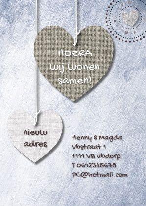 Stijlvolle kaart met prints van hangende stoffen harten in mooie natuur tinten. iets fraais! https://www.kaartje2go.nl/samenwonen-kaarten/print-van-hangende-harten-en-txt