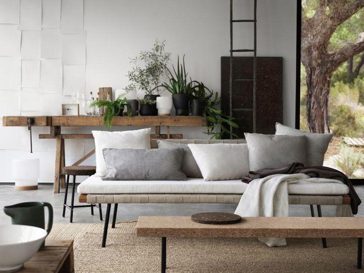 """Star-Designerin Ilse Crawford hat die Ikea-Kollektion """"Sinnerlig"""" entworfen. Im Mittelpunkt stehen die Naturmaterialien Kork, Leinen und Bambus."""