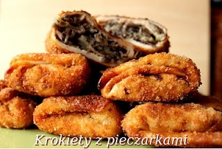 Krokiety z pieczarkami i kapusta (basically nalesniki stuffed with sour cabbage and wild mushrooms and then fried)... SO GOOD. Not at all diet-friendly.
