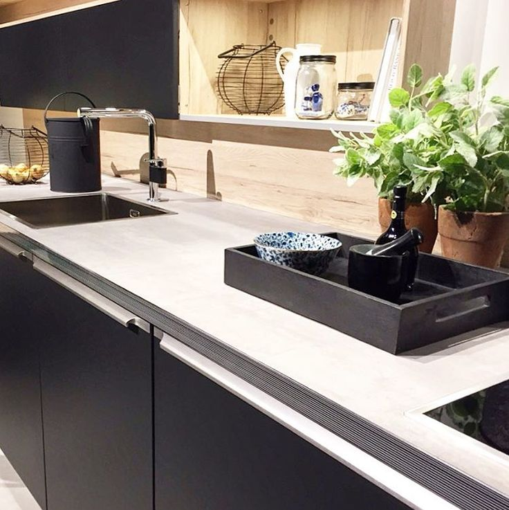 We are constantly looking at new trends, and black and aluminium looks stunning together! #design #kitchen #inspiration