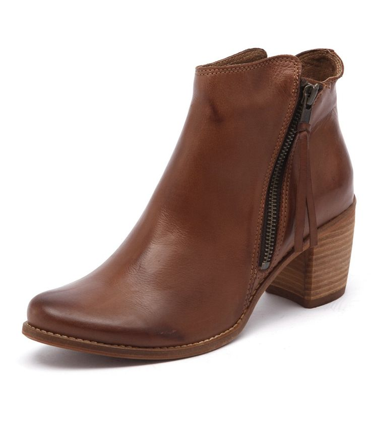 'Clinto Vintage Brandy' by EOS available at Styletread - he details on these all combine to make the perfect leather ankle boot. The real all rounder, pair with anything from pants to dresses | Ankle Boots | Trans-seasonal | Tan Ankle Boots | Leather Boots | Tan Boots | Chic | Style | Shoes