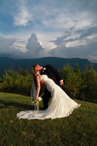 ♥Almost Heaven Resort ~ Smokey Mountain Destination Wedding #destination #wedding  http://smwba.com/