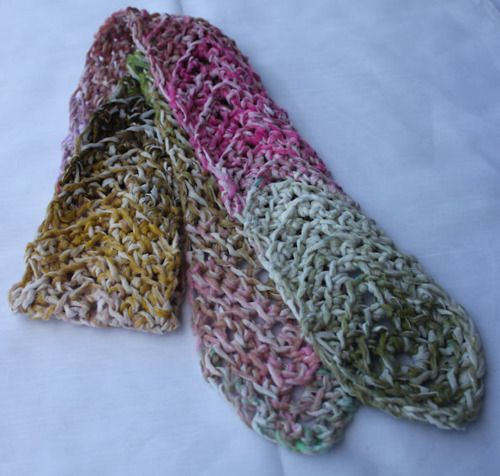 Crochet Kernel Stitch : This weekend I designed a new scarf! Its a sweet little thing that I ...