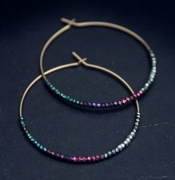 simple but very chic DIY wire hoops with earrings