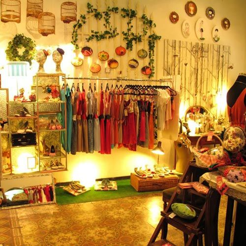 17 best images about shops design on pinterest home magazine christmas win - Boutique vintage londres ...