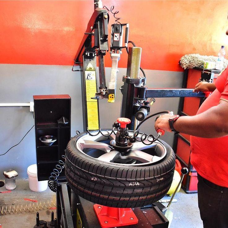 "19"" rims with pirelli Tyres loading"