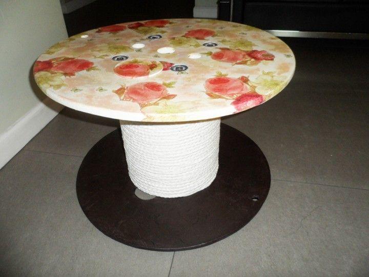 Encontrá Mesa ratona desde $550. Muebles, Living y más objetos únicos recuperados en MercadoLimbo.com. http://mercadolimbo.com/producto/2092/mesa-ratona