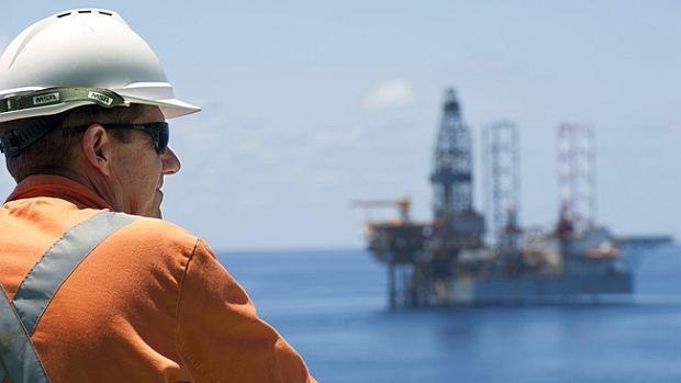 Cat castiga specialistii pe platformele petroliere?