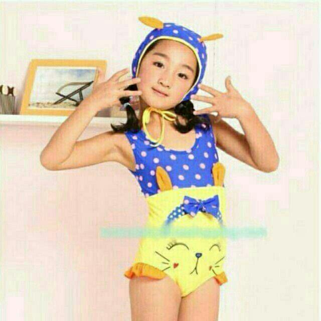 ชุดว่ายวันพีซลายชุดว่ายน้ำเด็กแบบ 1 ชิ้น เป็นชุดต่อกันค่ะ  พร้อมหมวกลายแมว น่ารักสดใสคุณภาพห้าง  มีไซต์ S สำหรับเด็กอายุ 1-2.5 ขวบ สูง 75 -90 cm น้ำหนัก 10-13 กก.  ** ดูรูปจริงที่เมนท์แรก  ราคา 420  บ.  ค่าส่ง 40 /ems 65 Line:nongdeal