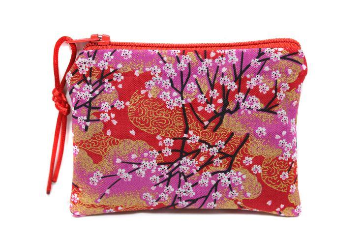 porte monnaie rouge en tissu japonais fleurs de cerisiers, mini pochette zippée, petit étui à barrettes : Porte-monnaie, portefeuilles par kipapee