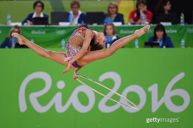 Well, you could try this at home — but we wouldn't recommend it. #RhythmicGymnastics #Rio2016 Margarita Mamun of Russia, who holds 14 World Championship medals, is seen performing in the Rhythmic #Gymnastics Individual All-Around. | August 19, 2016 | : @lolgriffiths | #GettySport #GettyAtTheGames