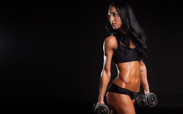 Ženské břicho by mělo být měkké! Tipy od gynekoložky pro ženy, které mají rády sport.
