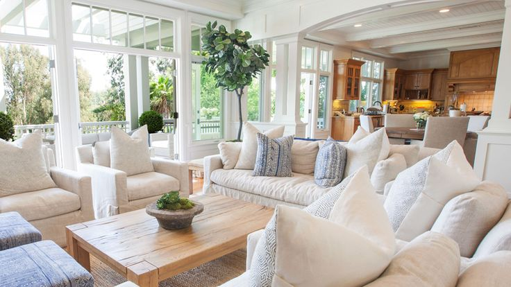 Home of the Day: Crisp Nantucket style in Pacific Palisades - LA Times