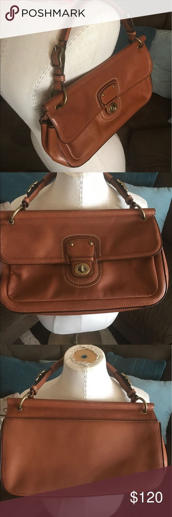 COACH Leather Purse Beautiful Coach leather handbag Coach Bags