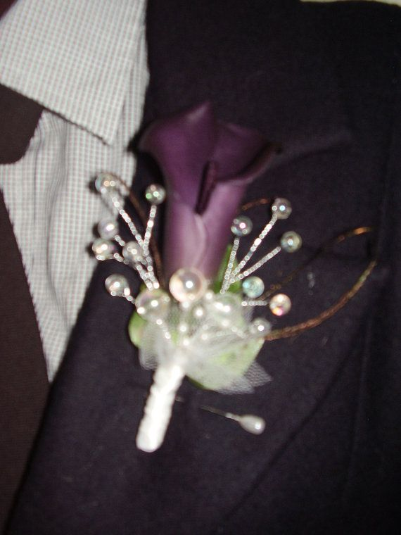 boutoniers with calla lilies | DARKPURPLE CALLA LILY - Flower Boutonniere With Multicor Pearls ...