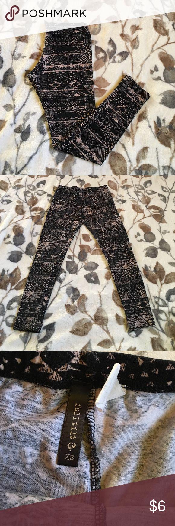 Black and Cream Leggings Mid calf length Full Tilt Pants Leggings