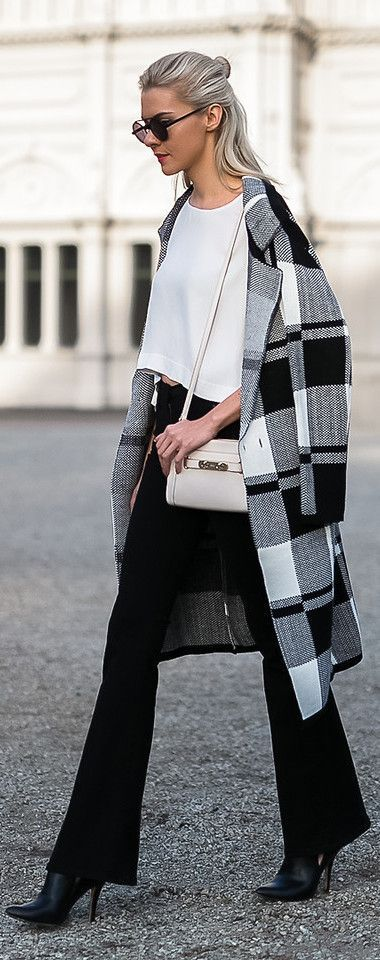 cute outfits with plaid coats 8